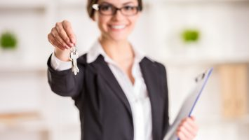 Realtor is holding the keys to a commercial space to clients