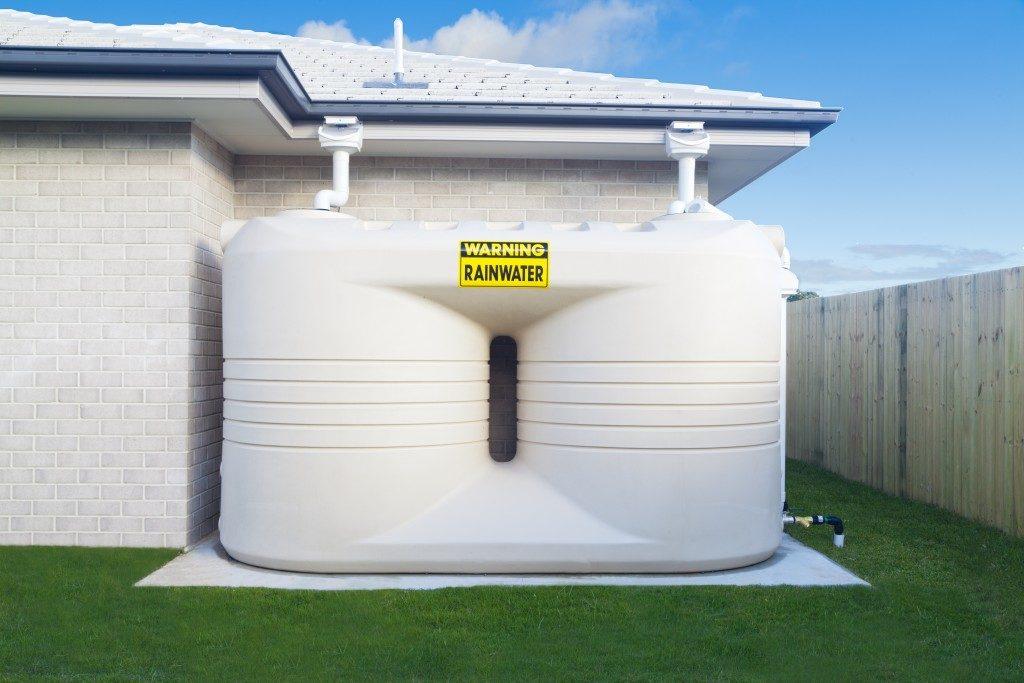 Dual rainwater tank in the backyard