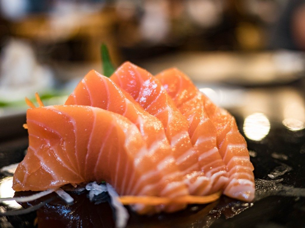 salmin sashimi