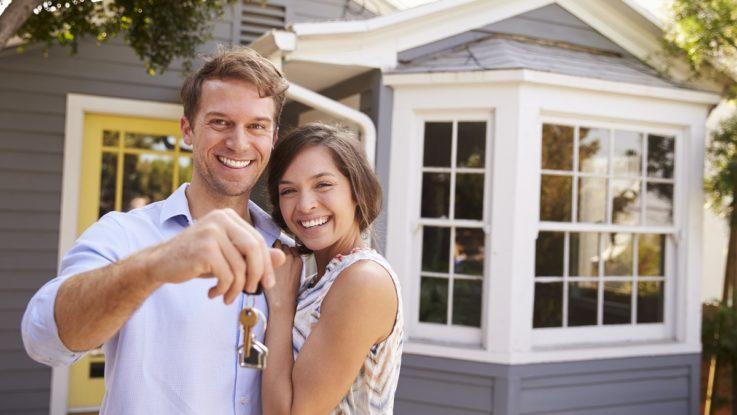 couple buying house